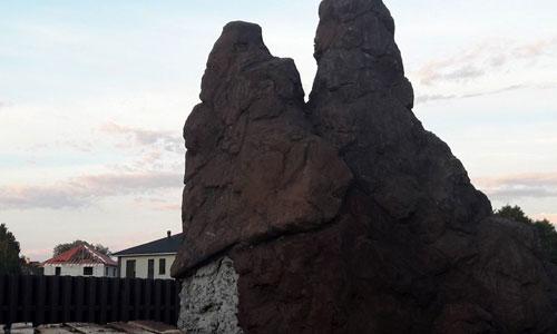 Нанесение фактурного слоя на скалу
