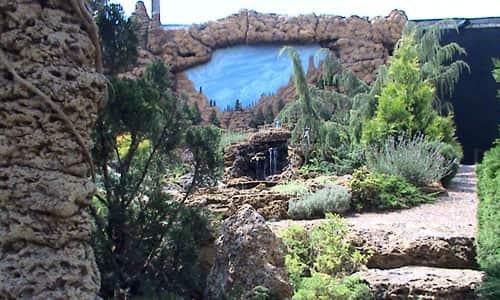 Водопад для дачи с росписью