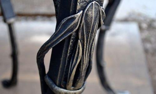 Деталь кованого стола