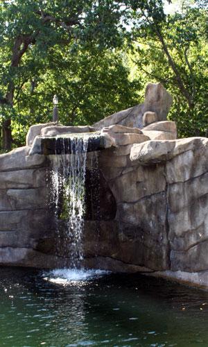 Ландшафтный водопад с горкой