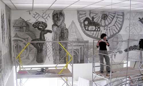 Роспись стены в музее