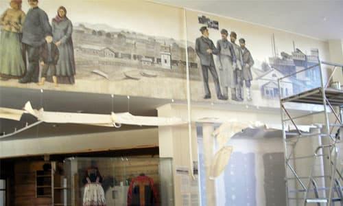 Роспись стены в торговом центре