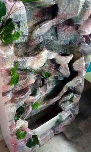 Водопад из пластика с аквариумом