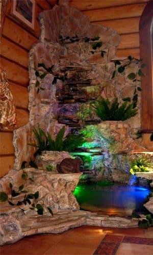 Водопад с аквариумом