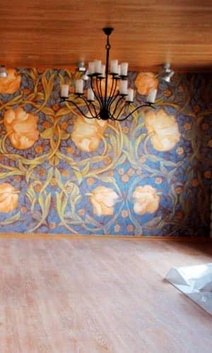 Роспись стены в частном доме