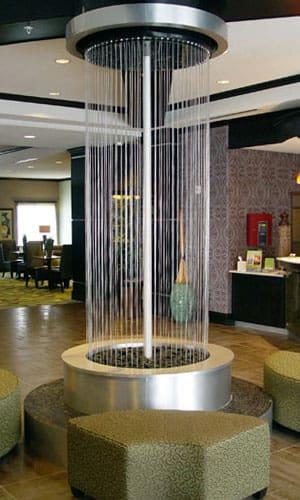 Водопад в холле компании