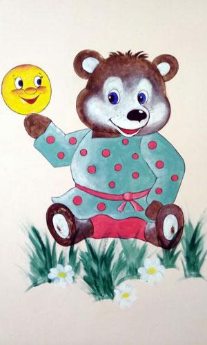 Медведь на стене в поликлинике